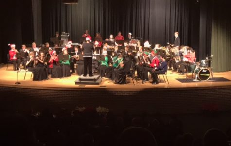 McIntosh band performs their holiday concert