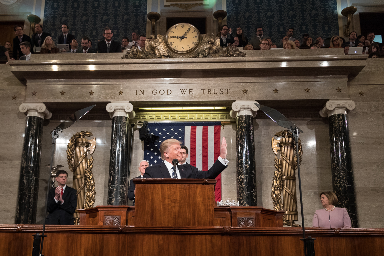 President+Trump+is+trying+to+pass+new+legislation+to+repeal+and+replace+Obamacare.