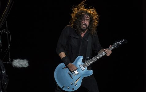 """Bland and Uninspired: Foo Fighters' """"Concrete and Gold"""""""