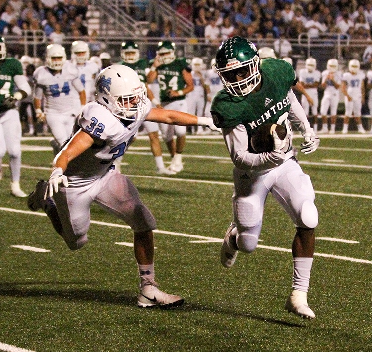 Senior+Bradley+Ector+finished+the+game+against+Starr%27s+Mill+with+173+yards+and+4+touchdowns.+
