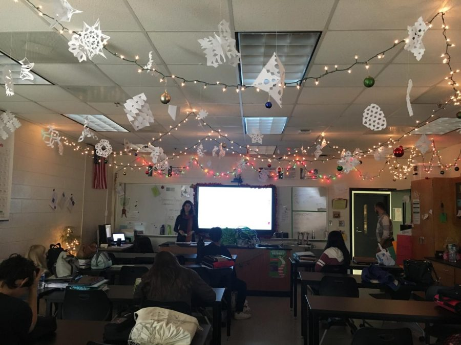 Mrs. Okamoto embraced the start of the holiday season following the students return from Thanksgiving break. Students were able to participate in making paper snowflakes as well as hanging up lights to bring holiday spirit to the classroom.