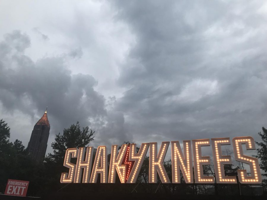 Shaky+Knees+was+accompanied+by+brief+rain+showers.
