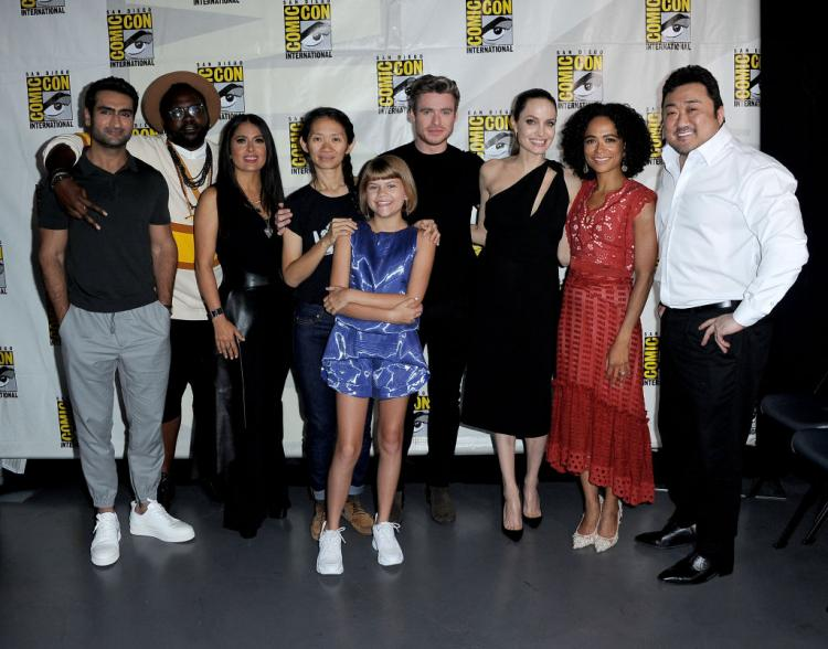 comic-con-2019-photos-the-eternal-angelina-jolie-and-richard-madden-are-all-smiles-at-hall-h